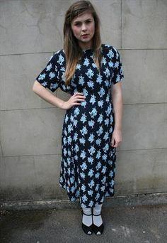 £18 SALE #NewWeekends #Vintage Navy Blue Floral Midi Dress