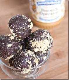 Healthy Chocolate Peanut Butter Snack Balls