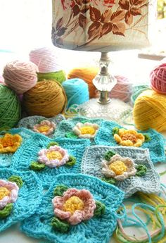 new flower crochet squares...