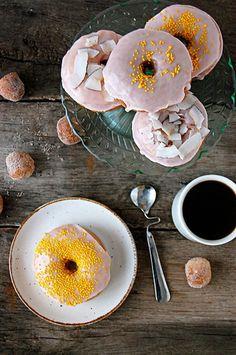 Donuts rápidos con glaseado de fresa