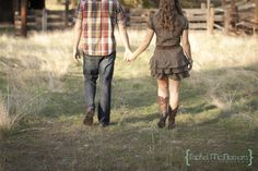 Love this barn engagement session from Rachel McNamara Photography