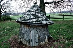 Whimsical tree stump. http://media-cache5.pinterest.com/upload/284219426453695551_2L0JdQPR_f.jpg sahdaddy dream yard and other outdoor goodness