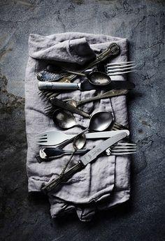 Love styled cutlery.