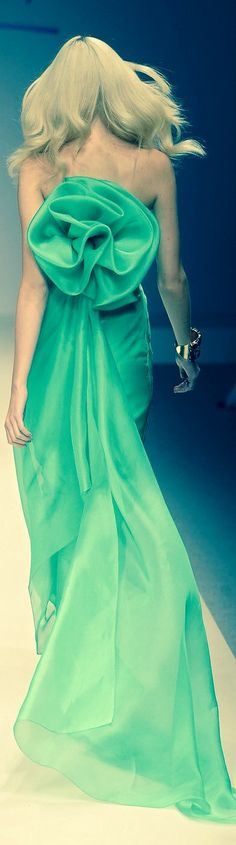 glorious green, fashion, color, bridesmaid dresses, gowns, beauti, runway green, haut coutur, haute couture