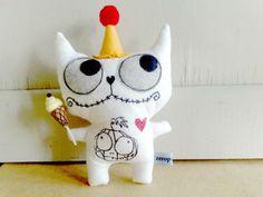 cute monster/zombie ; photo by mintown.vn craftfair facebook tay với, vải nỉ, khéo tay, craftfair facebook, mintownvn craftfair, với vải, felt craft