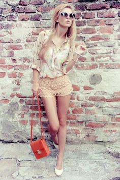 those shorts (and the overall outfit) are just great!