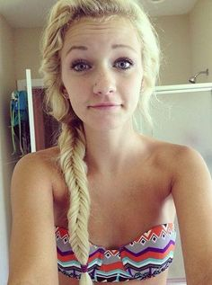 Fishtail braid--her hair is so gorg