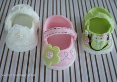 Mary Jane baby shoes (fondant)