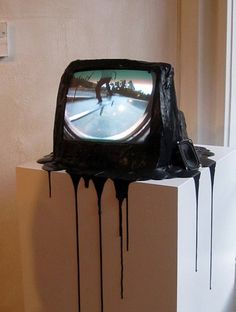 The melting of the visual communication #tv #art