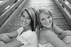 Love this pose for one of my senior pictures with Haley in them!