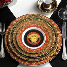 Medusa Red Versace Home Collection