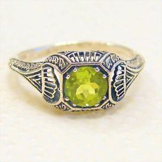 Vintage Peridot Sterling Silver Size 7.75 Ring