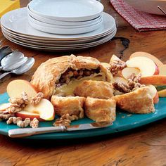 christmas recipes, appetizer recipes, christmas appetizers, toast walnut, bake brie, christma appet, appet recip, holiday appetizers, baked brie