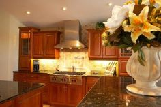 How to Clean & Wax Kitchen Cabinets ....my cabinets really need good cleaning!