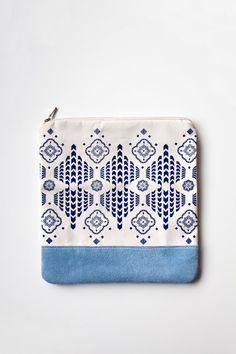Moroccan Pattern Printed Leather Pouch No. ZP803 by CORIUMI