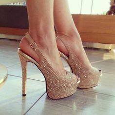 Love this heels.