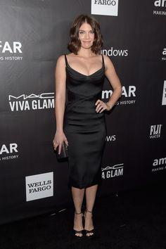 Lauren Cohan in a slinky little black dress at amFar