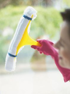 Wash Windows Like a Pro: Must-Know Tips >> http://www.hgtv.com/homekeeping/how-to-clean-windows/index.html?soc=pinterest