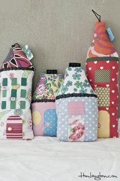 Almofadas de casinhas.