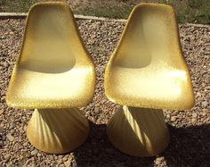 Mid century fiberglass chairs with molded swirl base - awesome!