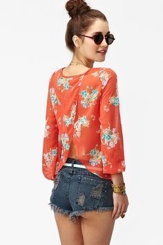 I want that top!