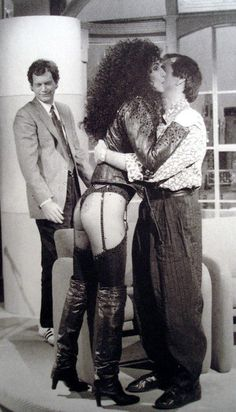 Sonny, Cher and Dave letterman 1987 ~ priceless expression on Dave's face as he admires Cher's 'outfit'  ☆彡
