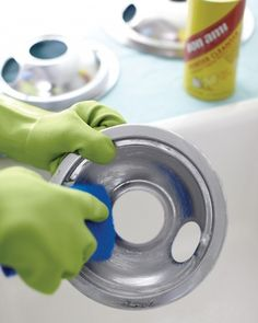 Stove Top Cleaning Tip: Electric Stove Tops - Wipe
