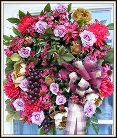 Wreaths: Decorative Door Wreaths, Luxury Christmas Wreaths - Decorative Floral Wreaths - Maplesville, AL