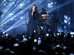 """Lorde en el escenario del """"You Oughta Know In Concert 2013"""" de VH1 en NYC"""