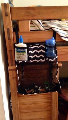 Thirty-One Gifts - Great idea for the new on the stroll bag- dorm room bunk beds.