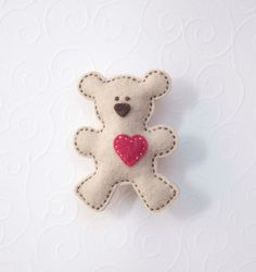 Teddy bear felt brooch - with pink heart.