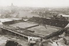 1st game played at the University of Texas' Memorial Stadium. 1924