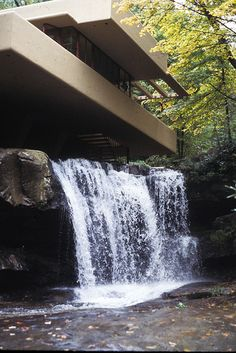 Fallingwater, Frank Lloyd Wright. I LOVE Frank Lloyd Wright's designs!