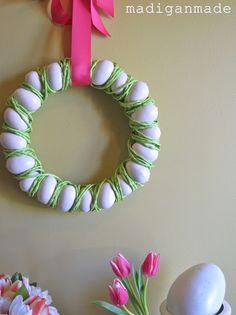 Easy egg Easter wreath