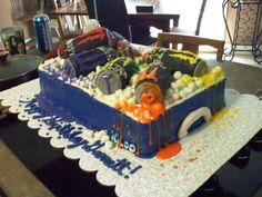 galleries, drink cake, drink spill, energi drink, monster energi, coolers, monster energy, fanci cake, energy drinks