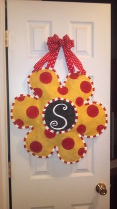 Springtime Flower burlap door hanger by HoneysHangers on Etsy, $24.00