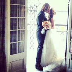 The Kiss - Kate Voegele and her new Hubbie!