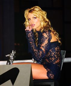 style, favorit peopl, britney bitch, britney spears outfits, britneybitch, celebr leg, beauti thing, the navy, lace dresses