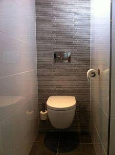 Huis inrichting toilet badkamer on pinterest toilets for Tegels wc voorbeelden