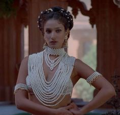 pearls in movies on pinterest | anna karenina, faye