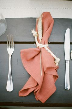 Love the napkin with the rope and wheat accent