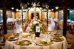 idea, wedding receptions, inspiration, barn reception, green, rustic weddings, barns, accent colors, feelings