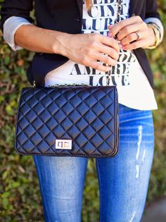 We're loving quilted crossbody bags! They're a fabulous way to top off any casual fall outfit. How would you style one?