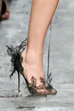Lace pumps - Valentino Spring 2010 shoes, fashion, style, valentino spring, shoe shoe, 2010 rtw, black, lace pump, spring 2010
