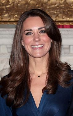 Google Image Result for http://www.glamour.com/beauty/blogs/girls-in-the-beauty-department/2010/11/17/1117-kate_middleton_hair_styling_trick_bd.jpg