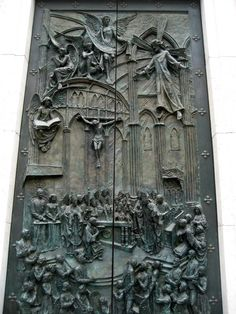 front door of a cathedral in madrid, spain.