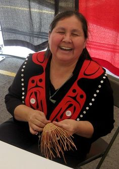 Native American crafts hold such beauty. Now you can try your hand at making some of these wonderful crafts yourself.    Here you'll find a nice...