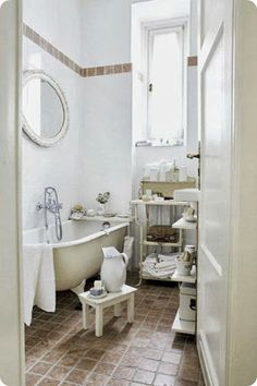 Brocante badkamer on pinterest tubs bathroom and vintage bathrooms - Badkamer retro chic ...