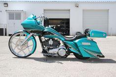 Custom bagger   Covingtons TealBagger3 Custom Harley Motorcycle