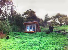Quirky Cabana: Little Retreat Blends Into Sloped Landscape - http://www.studioaflo.com/others/quirky-cabana-little-retreat-blends-into-sloped-landscape/